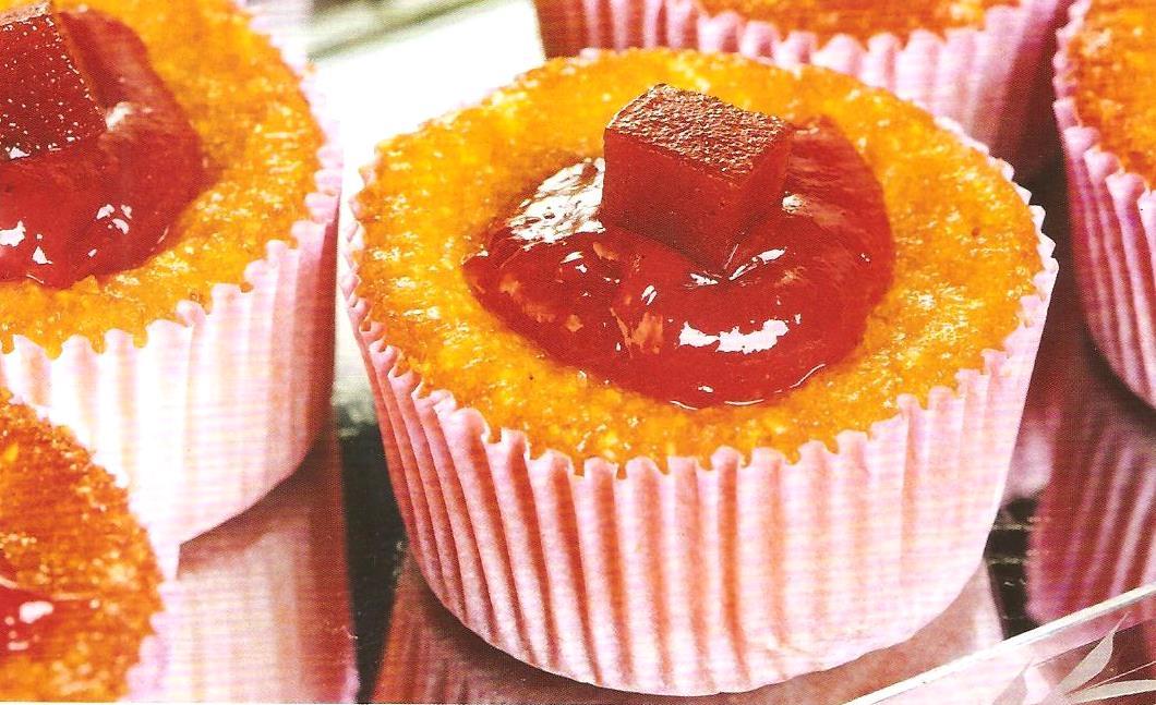 Cupcake de Milho com Cobertura de Goiabada